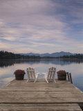 Pair of Adirondack Chairs on a Dock at the Mirror Lake Inn Fotografisk trykk av Michael Melford