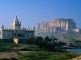Jaswant Thanda Cenotaph with Meherangarh Fort in Background Photographic Print by Paolo Cordelli