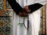 Muslim Guard of Gurgi Mosque Holding His Rosary Lmina fotogrfica por Frans Lemmens