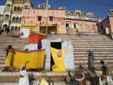 Colourful Kedar Ghat on the Ganges River Photographie par Orien Harvey