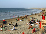 Beach at Mancora, a Popular Playground for Peruvians and Foreign Tourists Lámina fotográfica por Paul Kennedy