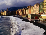 Buildings Along the Camogli Foreshore Fotografie-Druck von Damien Simonis