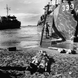 US Soldier Descending Towards Australian Serviceman Killed by Japanese Air Raid Attacks Photographic Print by Myron Davis