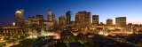 Skyline with Illuminated Lights at Night in Boston, Massachusetts Photographie