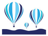 Blue Hot Air Balloon Poster par Avalisa