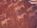 Pictograph, Engravings from Stone Age Culture, Twyfelfonstein Region, Namibia Photographie par Art Wolfe