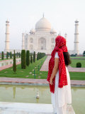 Hindu Woman at Taj Mahal, Agra, India Photographic Print by Bill Bachmann