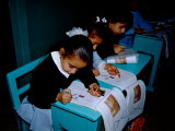 Students Draw in Workbooks, Franciscan Sister's Girl's School, Luxor Museum, Luxor, Egypt Fotografie-Druck von Cindy Miller Hopkins