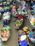 Shopping Boats at the Floating Market, Damnern Saduak, Bangkok, Thailand Fotografie-Druck von Bill Bachmann