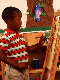 Student in Kindergarten Art Class Photographie par Bill Bachmann