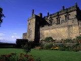 Scottish Castle with Rose Garden, Stirling Castle, Scotland Fotografie-Druck von Bill Bachmann
