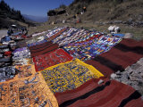 Textiles for Sale near Incan Site, Tambomachay, Peru Fotografie-Druck von Cindy Miller Hopkins