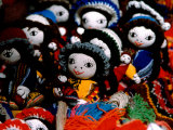 Handmade Dolls Made from Local Wool, Pisac Market, Peru Lmina fotogrfica por Cindy Miller Hopkins