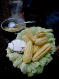 Corn on the Cob with Local Cheese, Ollantaytambo, Peru Fotografie-Druck von Cindy Miller Hopkins
