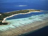 Mana Island, Mamanuca Islands, Fiji Photographic Print by David Wall