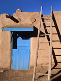 House in the Taos Pueblo, Taos, New Mexico, USA Fotoprint van Charles Sleicher