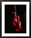 Hanging Boxing Gloves Affiches par Ernie Friedlander
