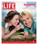 Actors Rachel McAdams and Owen Wilson Outdoors Lying on Lawn, July 1, 2005 Photographic Print by Karina Taira