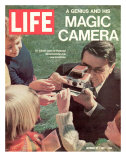 Polaroid's Edwin Land with New Instant Camera, October 27, 1972 Premium Photographic Print by Co Rentmeester