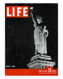 Liberty's Light, June 26, 1944 Photographic Print by Dmitri Kessel