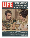 "Actors Richard Burton and Elizabeth Taylor on Set of Film ""Cleopatra,"", April 13, 1962 Premium Photographic Print by Paul Schutzer"