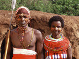 Maasai Couple in Traditional Dress, Kenya Photographie par Bill Bachmann