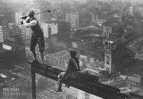 Männer auf einem Stahlträger Foto