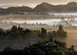 Burma's Oldest Town Posters par Maurice Subervie