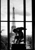 Eiffel Tower, c.1966 Posters par Willy Ronis