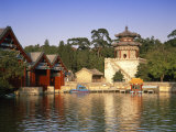 Kunming Hu Lake, Summer Palace Park, Summer Palace, Beijing, China Photographic Print by Gavin Hellier