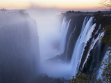 Victoria Falls, Zimbabwe Fotografisk tryk af Paul Joynson-hicks