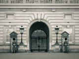 Buckingham Palace, London, England Photographic Print by Jon Arnold