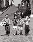 Banda di ragazzini, Montmartre, Parigi, 1999 Stampa di Bruno De Hogues