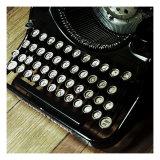 Nicolas Hugo - American Antiques: Typewriter Digitálně vytištěná reprodukce