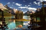 Île Spirit, Lac Maligne, parc national de Jasper, Canada Posters