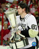 Sidney Crosby With the 2008-09 Prince of Wales Trophy Photo
