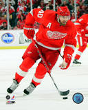 Henrik Zetterberg 2009 Playoff Action Photo