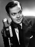 Orson Welles at the CBS Microphone in Publicity Shot for Murcury Summer Theater, 1946 Posters
