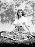 Dinah Shore Wearing Peasant Blouse and Skirt, c.1944 Plakater