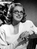Eleanor Parker Wearing Eyeglasses Plakater