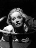 Marlene Dietrich, 1930s Photo