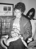 Michael Jackson Seen Here with Musles the Boa Constricter, September 1983 Fotodruck