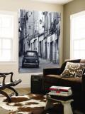 Fiat dans une rue étroite, Sassari, Sardaigne, Italie Poster géant par Doug Pearson