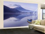 Mt. Fuji and Lake Kawaguchi, Kansai Region, Honshu, Japan Fototapete – groß von Peter Adams