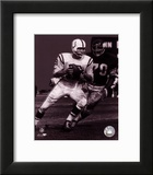 Johnny Unitas - Passing Action (B&W) Posters