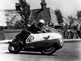 Bob McIntyre sur une moto Gilera 500-4, 1957, course du  Tourist Trophy ou TT,  Île de Man, Grande Bretagne Reproduction photographique