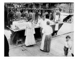 New York City, Vendor with Wares Displayed, Little Italy, 1900s Foto