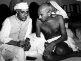 Rashtrapati Jawharlal Nehru and Mahatma Gandhi in 1946 Photo