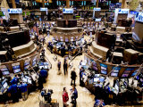 An high angle view of the New York Stock Exchange's trading floor Fotografie-Druck von Justin Guariglia