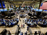 Blick über das Börsenparkett der New York Stock Exchange aus einem hohen Winkel  Fotografie-Druck